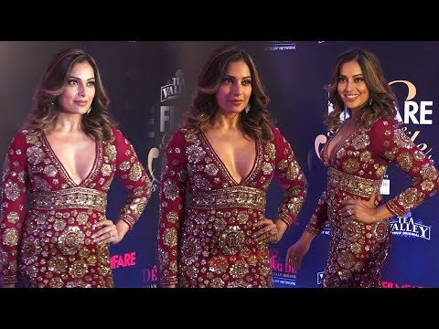 Xxx Mp4 Bipasha Basu In Red Gown At Film Fare Glamour And Style Awards 2019 3gp Sex