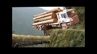EXTREME TRUCK DRIVERS DANGEROUS ROAD MERCEDES ACTROS V8