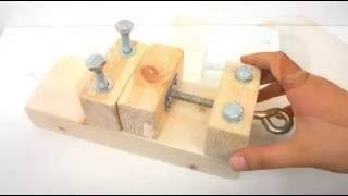 Homemade a wooden vice