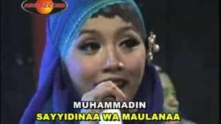 Padang bulan - Sarah Brillian (Official Music Video)