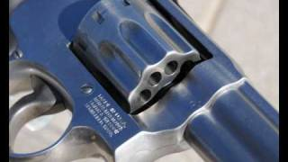 Smith & Wesson Model 617 .22 LR Revolver - Slideshow