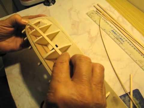 Video guida per costruire un modello di veliero; come mettere il primo fasciame e lavoro finito