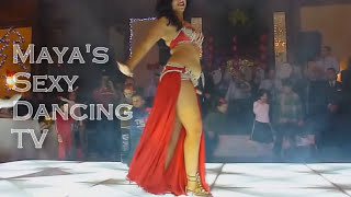 الراقصة شاكيرا فطين الفاتنة ببدلة رقص مفتوحة جدا و كل شوية الملابس الداخلية...