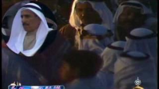 الشيخ صباح السالم يلقي ابيات شعر بعد عودته من رحلة علاج