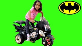 Batman Motorbike Ride On Surpsie Unboxing and Playtime | Power Wheels Assembly