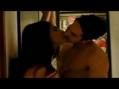 Xxx Mp4 Sonam Kapoor Kisses Amp Liplop Scenes Make You Excited सोनम कपूर के किस सीन छुड़ा देगे आपके पसीने 3gp Sex
