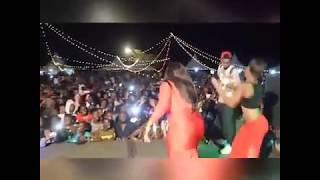 Horny Tanzanian Chicks Twerking to Chura