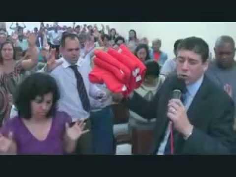 PASTOR SERGIO SORA ENTREGA DAS TOALHAS DIA 30 DE OUTUBRO 2011