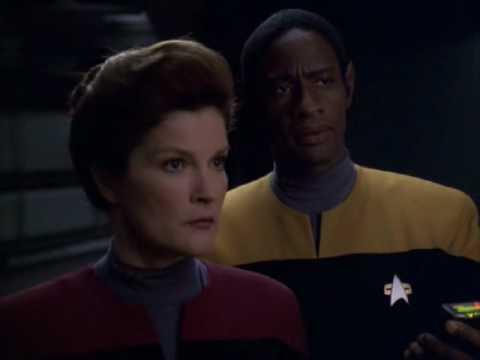 Star Trek Voyager Relativity. 1 of 4 Janeway captures Seven of Nine.