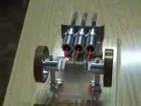 Motor Stirling de 3 pistones