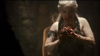 Game of Thrones : Targaryen Queen eats Horse Heart