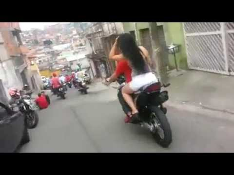 FUGA da PM com direito a Tiro police pursuit shot biker in brazil