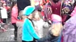 sinterklaas intocht baarn 2011 kids dansen :)