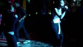 Nikki Palikat sings Cantik live at Borneo Barok
