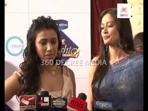 Xxx Mp4 TV Actresses Barkha Bisht And Jasveer Kaur Talk About Excitement At The Zee Rishtey Awards 3gp Sex