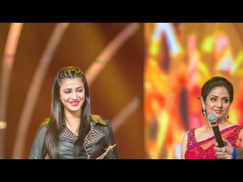 Bollywood Actress Shruthi Hassan At SIIMA Awards 2013