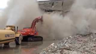 Amazing Excavator Skill in Demolition