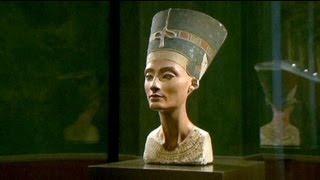 مائة عام على اكتشاف تمثال رأس الملكة