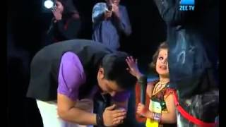 طفلة هندية ترقص بشكل جميل روعة