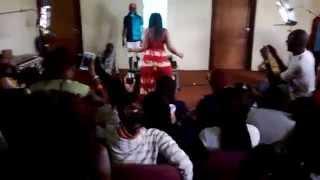 KENYAN UNIVERSITY STUDENT TWERKING