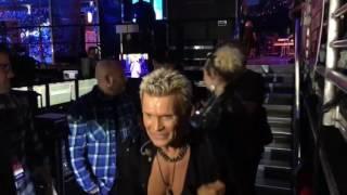 iHeartRadio 2016- Miley Cyrus & Billy Idol - Rebel Yell - Seacrest , Backstage!