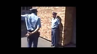 الشرطة الجزائرية و الرقص