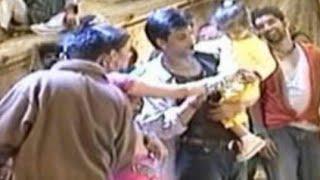 Shahrukh Khan And Aishwarya Rai Playing With Little Suhana Khan   Vintage Photos Out