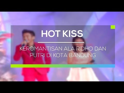 Keromantisan Ala Ridho dan Putri di Kota Bandung - Hot Kiss