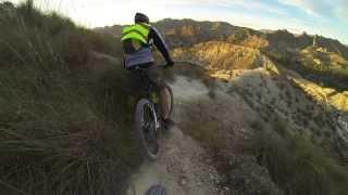 Descenso peligroso y difícil en el Alto del Ope en Archen MTB Bici Montaña Mountain Bike