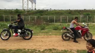 Bullet 1988 350cc vs Honda CBR 250cc