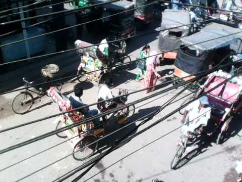 দেখুন Dhaka শহরের পতিতারা kibave দারিয়ে থাকে     না দেখলে চরম মিস করবেন,পতিতারা kibave দারিয়ে থাকে