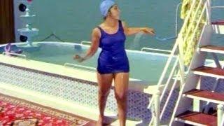 Comedy Kings - Latha Bathing In Swimming Pool - ANR, Nagabhushanam, Rajababu