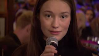 "Sigrid - ""Fake Friends"" Inas Nacht 17.6. 2017"