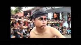 JARAN KEPANG TEMANGGUNG - FULL KESURUPAN -TRADITIONAL DANCE IN JIN possessed Temanggung 01 (01-04)