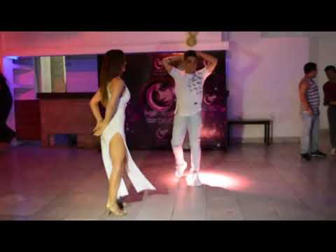Xxx Mp4 Hot Dance Aventura — Tu Jueguito Axel Y Maria 3gp Sex