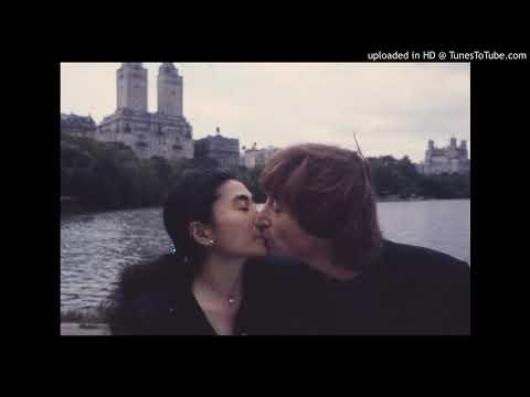 John Lennon & Yoko Ono 🎅🎄 Happy Xmas (War Is Over)