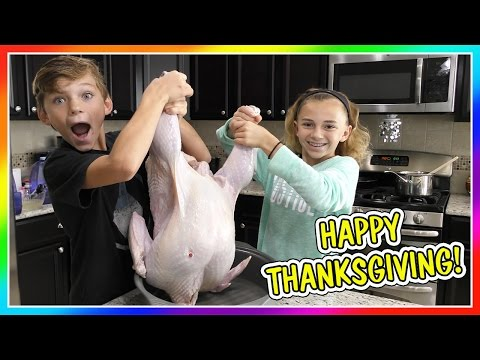 DON T PLAY WITH YOUR FOOD HAPPY THANKSGIVING We Are The Davises