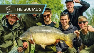 CARP FISHING 🐟 CATCHING GIANT CARP at THE SOCIAL 2 - FULL MOVIE