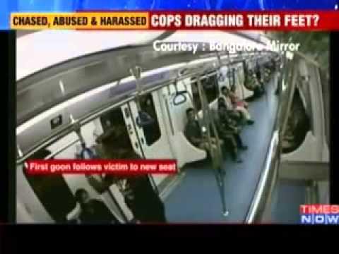 Câmera de segurança flagra mulher sendo assediada sexualmente em metro na Índia
