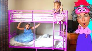 Princess Sisters Magic Trick on Greedy Granny Kids Pretend Play