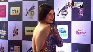 Kainaat Arora Spotted In Backless Dress At Filmfare  Awards 2015
