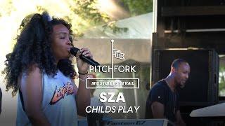 SZA performs