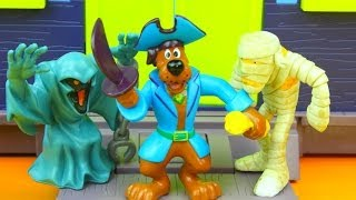 Scooby-Doo Captain Scooby and the Pirate Fort Mega Set