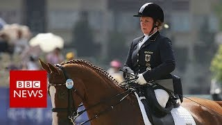 The woman without legs who became an equestrian champion - BBC News