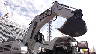 The New Liebherr R9200 Mining Excavator Demo @ Bauma 2016