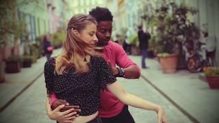 Bachata - Céline et Jérémie dansent rue Crémieux