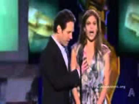 Giler  Aktor Paul Rudd Memegang Payudara Eva Mendes Di Live Show!!