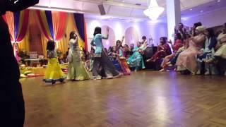 Balle Balle Bin Roye Girls Mehndi Dance Performance