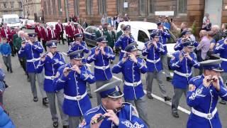 The Pride of Govan (The POG) 2015 Band Parade - Bands arrive at Govan Halls (4K)
