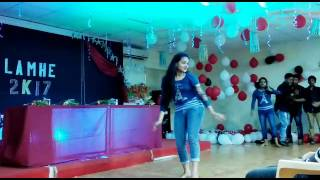 Awesome  dance performance by a cute Indian girl